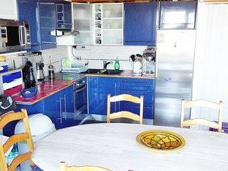 Chambre chez l'habitant, vue mer, 2mn plage, pk prive, Wifi