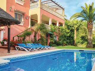 Awesome home in Marbella w/ WiFi, Outdoor swimming pool and 6 Bedrooms