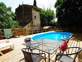 Eco-friendly gite with pool, in woodland setting