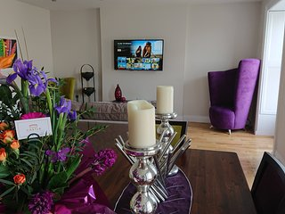 Modern, Self-Catering Apartment with Stunning Views of Castle Rushen & The Bay