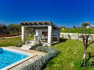 Nova Vas Villa Sleeps 8 with Pool Air Con and WiFi - 5803578