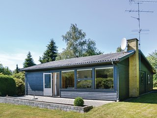 Nice home in Gilleleje w/ WiFi and 3 Bedrooms (E05327)