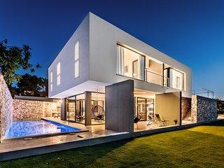 Modern pool villa near the beach Sutivan Brac