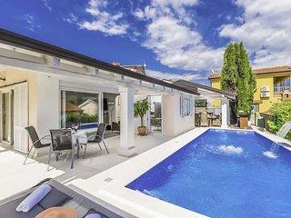 Zbandaj Villa Sleeps 7 with Pool Air Con and WiFi - 5808503