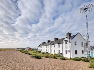 6 Coastguard Cottages