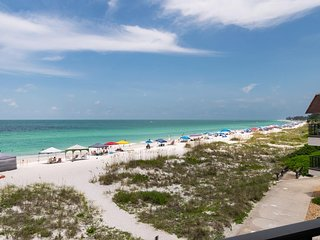 Cozy Condo at Beachfront Waters Edge Complex w/ Heated Pool & Covered Parking