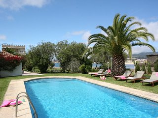 Ramallosa Villa Sleeps 9 with Pool and WiFi - 5604601