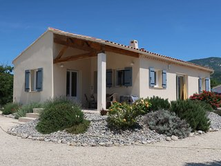 Sainte-Jalle Holiday Home Sleeps 6 with Pool and Free WiFi - 5702226