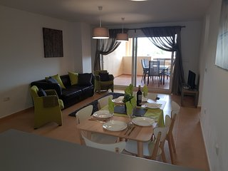 MAR MENOR GOLF BOULEVARD 2 Bed, WiFi, English TV overlooks Mar Menor Golf Course