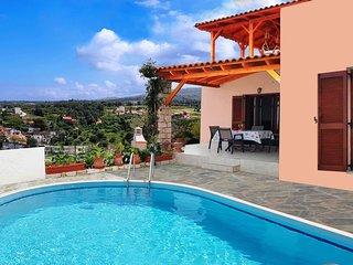 Stunning Sea & Mountain Views, Pool and Hammocks on Roof Terrace plus Kids Area