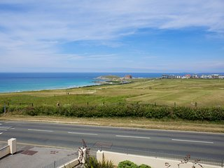 5 The Vista, Newquay - A pet friendly two bed, two bathroom apartment with fanta