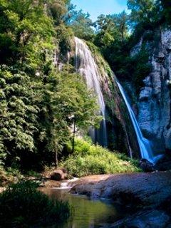 Salt del Mir (cascada de agua de 35 metros de altura)