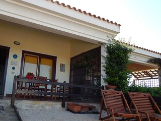 2 bedroom Villa with Walk to Beach & Shops - 5776387