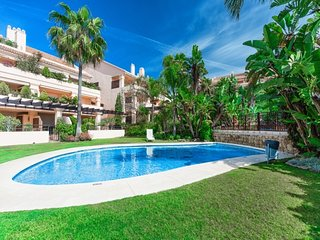 2 bedroom Apartment with Pool, Air Con and WiFi - 5051601