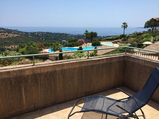 2 bedroom Villa with Pool and WiFi - 5051871