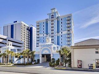 Luxury Oceanfront Ocean Blue 902-4 bedroom/ 4 bathroom, sleeps 10 people