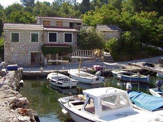 Nik H(4) - Cove Donja Krusica (Donje selo)