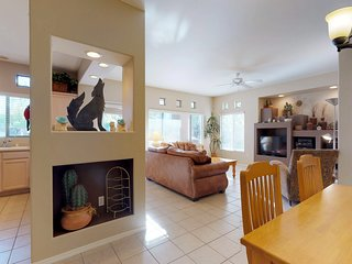 Dog-friendly, newly remodeled condo w/ a shared pool & hot tub!