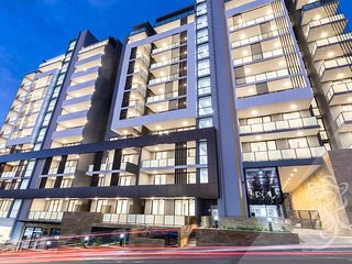 BRAND NEW 2 bedrooms apartment near Hurstville train station and Airport