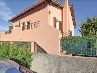 Beautiful home in Sanremo w/ 2 Bedrooms