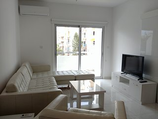 2b Modern Apartment - Olympic Beach