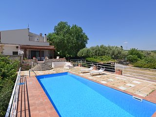 Solarino Villa Sleeps 6 with Pool Air Con and WiFi - 5808925