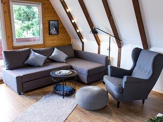 Modernes Ferienhaus in ruhiger Lage mit Bergblick