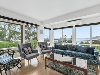 SUMMER BY THE BAY - Ocean views and pet friendly