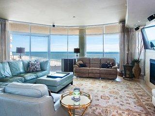 Exquisite Spacious Four Bedroom with Wrap-Around Balcony