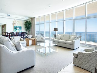 Breathtaking Spacious Penthouse Sleeping 20 on the Gulf of Mexico