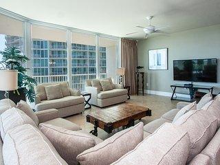 Sharp Condominium with Scenic Balcony Overlooking Putting Green and Splash Pad