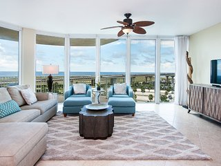 Jetted Jacuzzi and Comfortable Beds--The Ultimate Relaxation Condominium