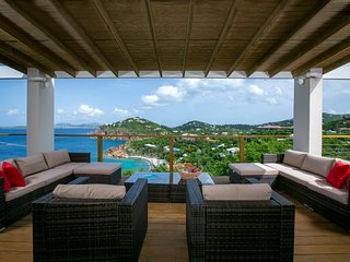 Luxurious 4BR Villa with breathtaking panoramic sunrises and sunsets
