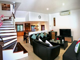Cozy 2 Bedrooms Townhouse in Patong