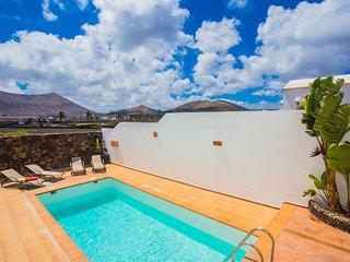 Casa Buena Vista con piscina climatizada privada, barbacoa, zona de descanso