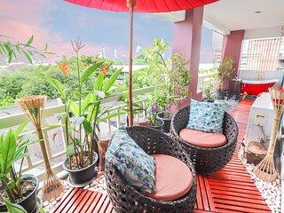 Outdoor skybath 2 BR 2 BATH in Lumpini MRT-Sathon-Silom