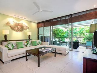 Casuarina shores Luxury Apartment ( near Laguna and Bang Tao beach)