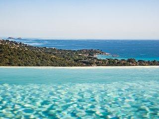 villa de standing VUE MER piscine sur les hauteurs de Santa Giulia 6-8 pers