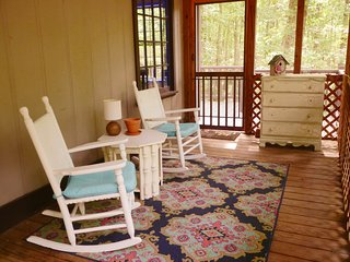 Wolf Cottage in Pine Mountain, GA