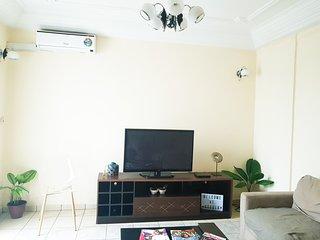 Appartement Moderne en centre-ville (Akwa)