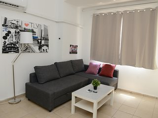 11 · A COZY APARTMENT IN THE HEART OF FLORENTIN WITH FREE NETFLIX -11