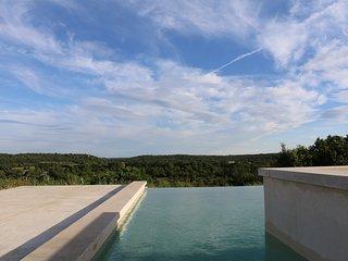 Maison calme, 4ch/7pers, avec piscine à débordement
