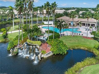 Lakefront, Pet Friendly, Resort Pool Community  2/2 End Unit Condo Near Beaches