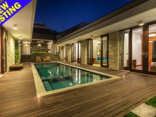 Amelia Gold, 5 Bedroom Villa Nusa Dua;