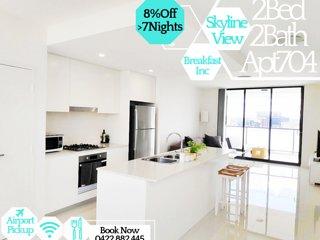 Stylish 2Bed 2Bath Apartment704 + Skyline Views - Breakfast Included!