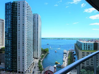 PERFECT DOWNTOWN WATERFRONT LOCATION WITH GORGEOUS LAKE VIEW