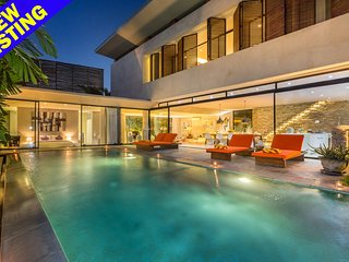 Huge Space 3 Bedroom Villa Near Finns Beach Club, Canggu;