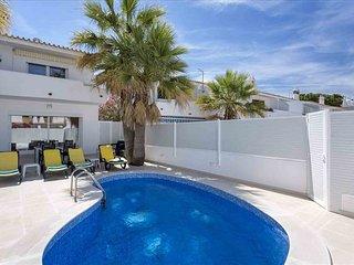 Vicky Rae Luxury Villa