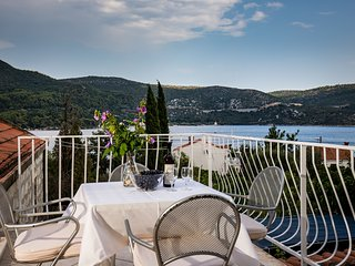 Apartments & Room Eva Slano - One Bedroom Apartment with Terrace and Sea