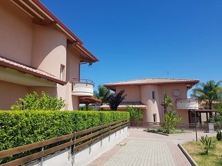 Casa Dolce | 1 Bed | Direct Access To Beach